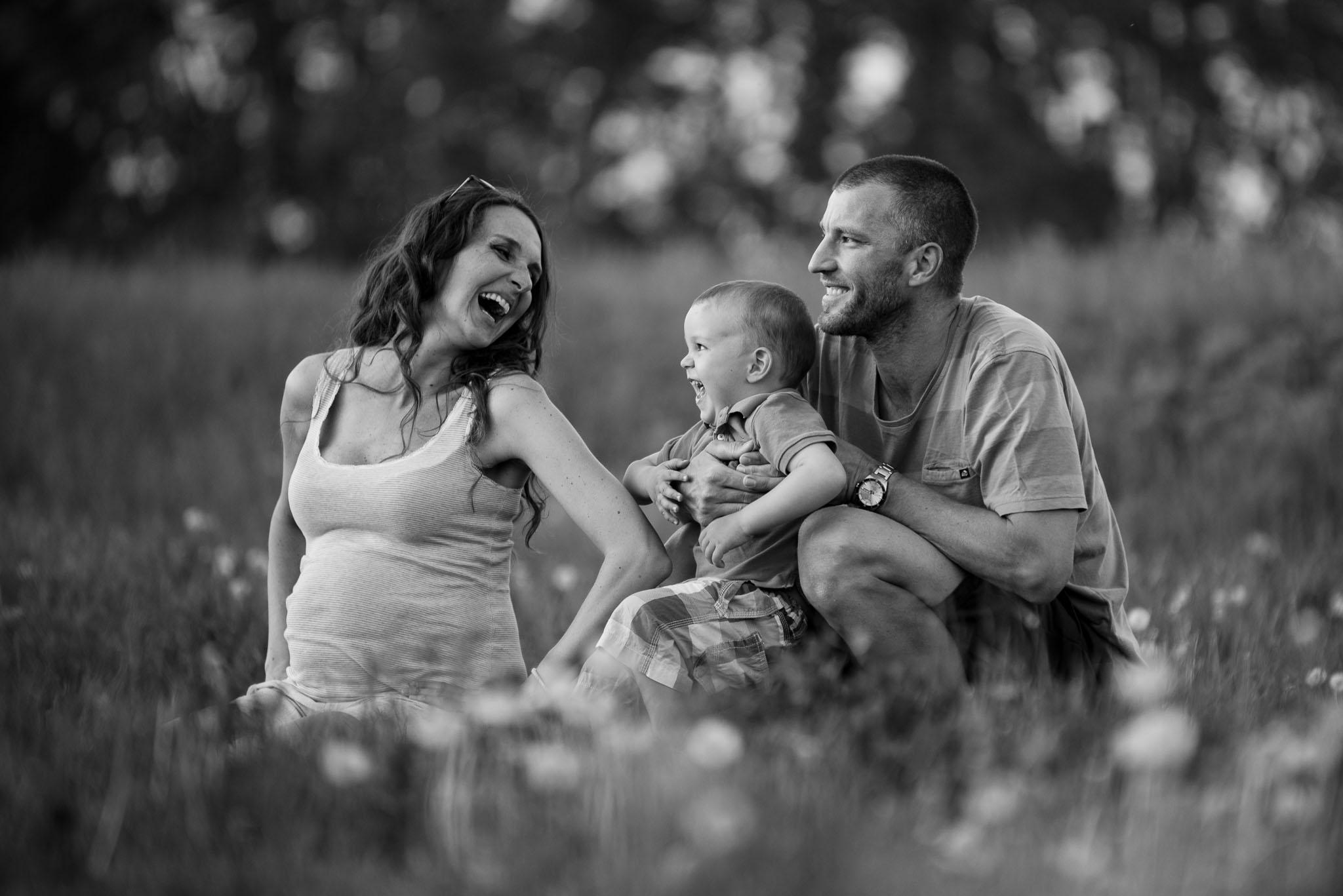 Family and pregnant photos | Kika, Martin and Tino