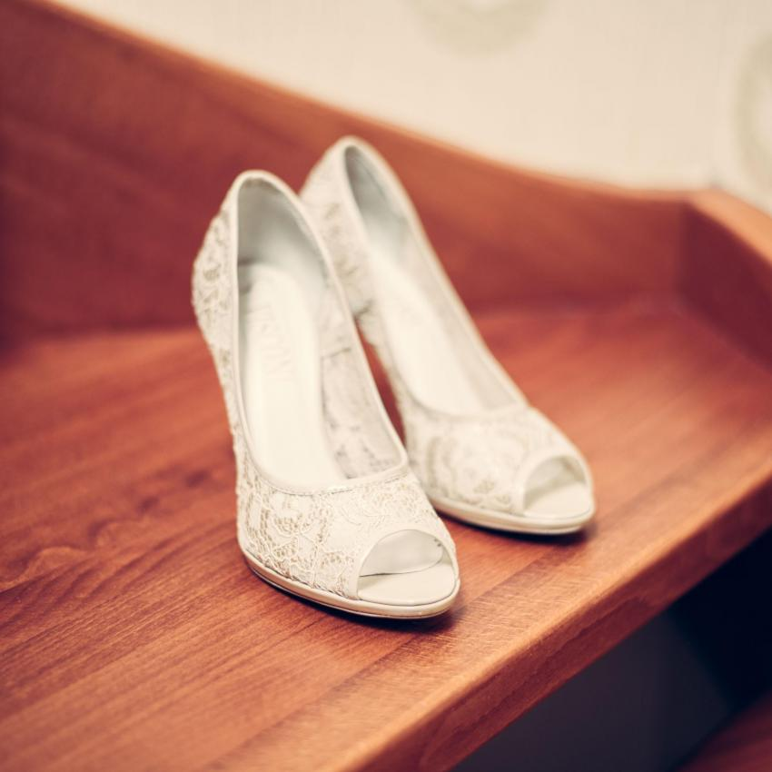 Wedding shoes picture